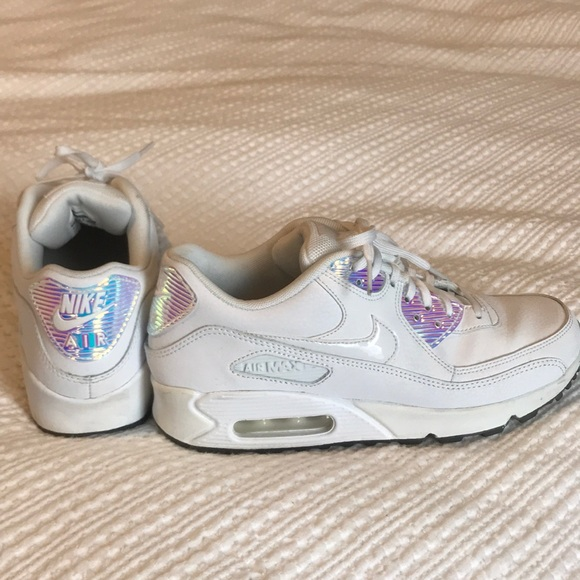 differently 0927e 9f15d Nike Air white with holographic detail size 7.5. M 5c3622431b32942b22665c96